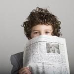 【1・2歳児向け】新聞だけでこんなに遊べる!新聞を使ったおうち遊び5つ